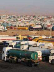 داعش وداعموها يجنون مليون دولار يوميا من النفط المهرب إلى كردستان – المشترون ينتظرون الشحنات بأربيل