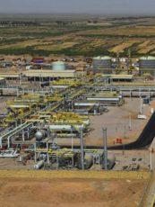 شبكة الاقتصاديين العراقيين تواصل جهودها لتحقيق الشفافية في قضية عقود الخدمة النفطية وتنشر عقد تطوير حقل الحلفاية