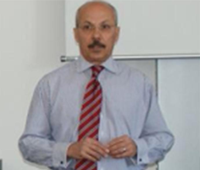 Dr Amer K Hirmis
