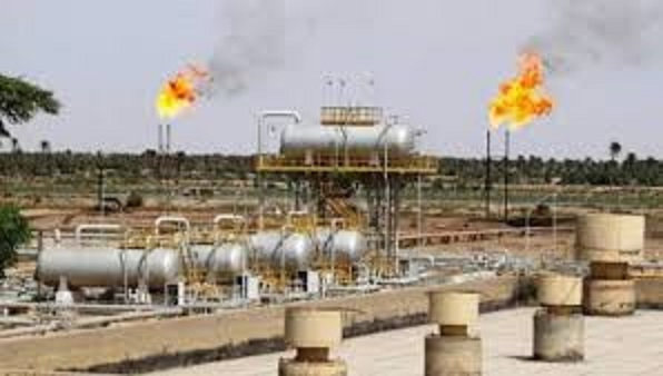 Iraqi protesters block entrance to Nassiriya oil refinery: sources